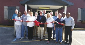 The Prentiss Headlight–Olde Towne Grille is open at 1604 Columbia Avenue. Onwed and managed by Jeff & Gayle Parish and Kelly Nobles, it offers seafood, sandwiches, burgers, steaks and daily lunch specials. Hours are Wednesday through Friday 11 a.m.-2 p.m., Thursday through Saturday 5 p.m.-9 p.m., and a Sunday buffet from 11 a.m.-2 p.m. 601-792-9200